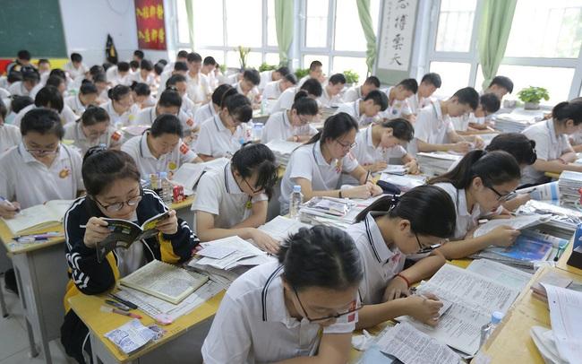 Cha mẹ tại Trung Quốc bỏ tiền 'mua' quốc tịch nước ngoài cho con để tránh thi đại học