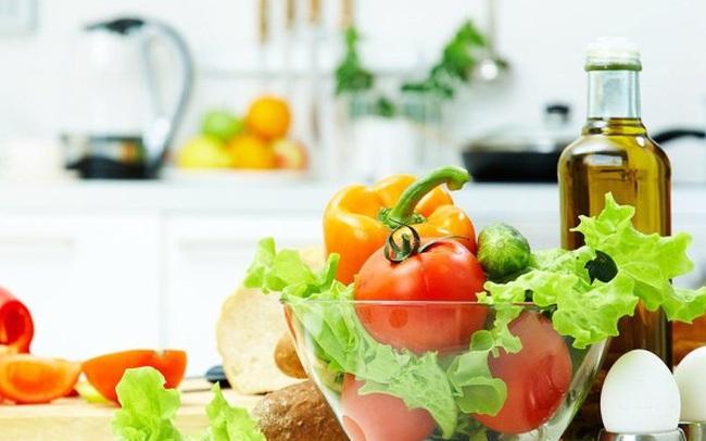 Tỏi, cà chua, bông cải xanh là những thực phẩm tốt cho sức khỏe, nhưng nếu chế biến và ăn sai cách thế này thì chẳng còn dinh dưỡng nữa