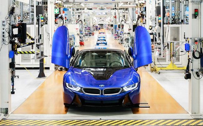 Xuất xưởng BMW i8 cuối cùng - Tạm biệt biểu tượng một thời khiến đại gia Việt mê mệt