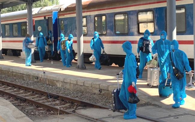 Hơn 150 chuyên gia Trung Quốc đến Quảng Ngãi bằng chuyến tàu đặc biệt
