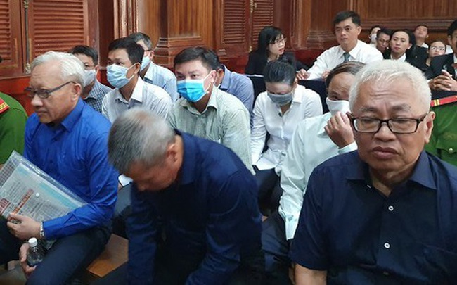 """Bắt đầu phiên xử vụ án tại DongABank giai đoạn 2: """"Đại gia"""" Phùng Ngọc Khánh lộ diện"""