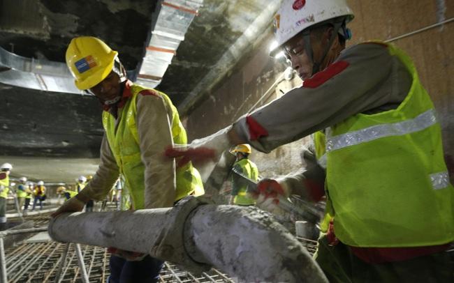 Trắng đêm đổ bê tông hợp long ga ngầm trên phố Kim Mã