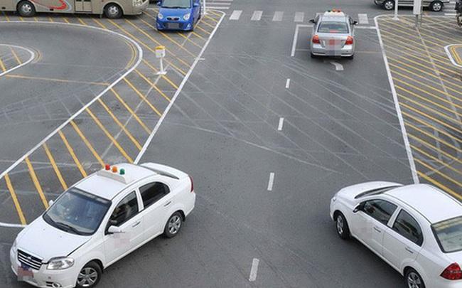 Bằng lái xe A1 không được lái xe SH, bằng lái xe B1 không được lái ô tô?
