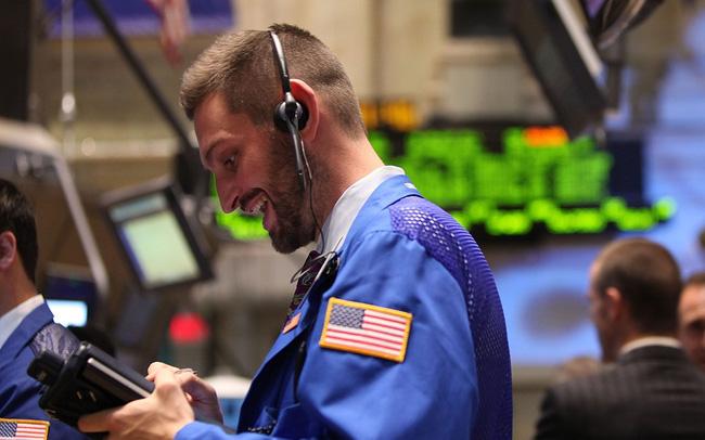 Lạc quan trước dự luật kích thích, Dow Jones tăng 160 điểm, chứng kiến tuần khởi sắc nhất kể từ tháng 8