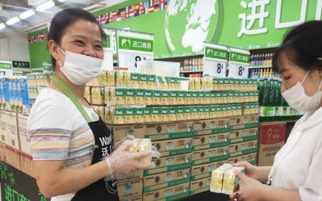 Thương hiệu sữa Việt Nam đầu tiên lên kệ tại hệ thống của đại siêu thị Walmart