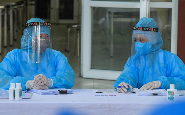Thêm 2 ca mắc mới COVID-19 từ Mỹ trở về, Việt Nam có 1.124 ca
