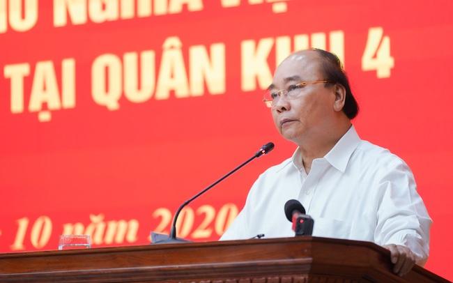 Thủ tướng Nguyễn Xuân Phúc: Đoàn công tác Quân khu 4 dũng cảm hy sinh để cứu dân