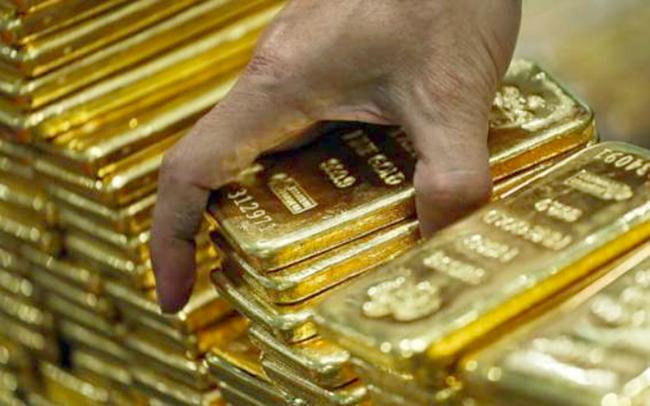 """Nhà đầu tư """"hờ hững"""" với vàng"""