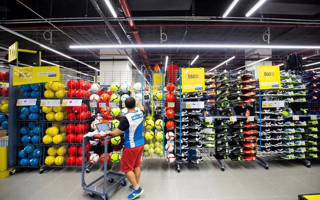 Phong trào thể thao lên cao, 2 cửa hàng quy mô hàng nghìn mét vuông giúp Decathlon Việt Nam tăng gấp rưỡi doanh thu, nhưng cũng kiến công ty này thua lỗ lần đầu tiên sau nhiều năm
