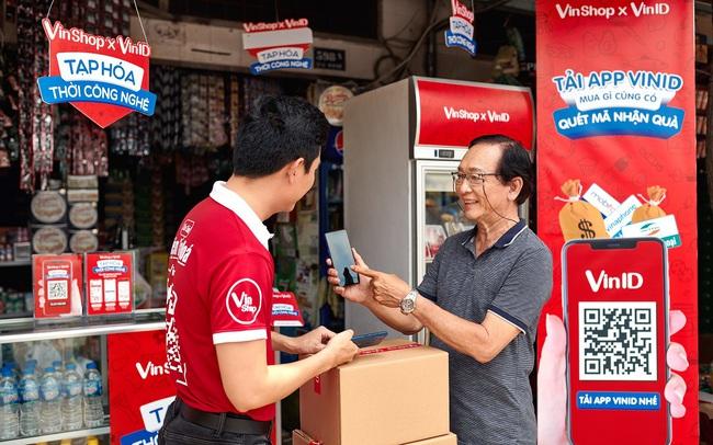 Vingroup quay lại thị trường bán lẻ với ứng dụng VinShop, giúp các chủ tạp hóa có cơ hội tăng thu nhập tới 10 triệu mỗi tháng