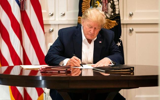 CNBC: Tổng thống Trump sử dụng thuốc điều trị cho bệnh nhân Covid-19 nặng