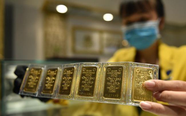 Giá vàng SJC giảm xuống sát 56 triệu đồng/lượng