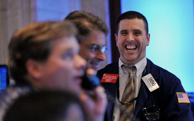 Đàm phán về gói kích thích có tiến triển, Dow Jones chạm mức cao nhất trong 1 tháng qua