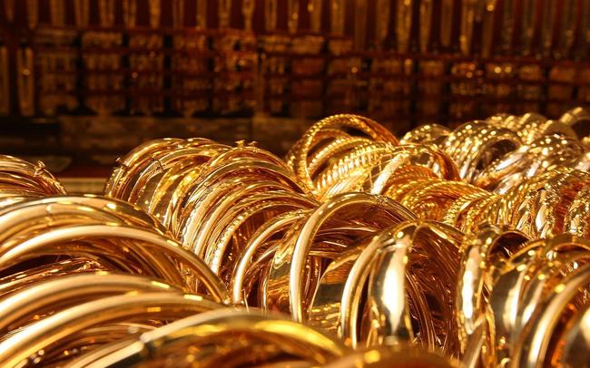 Diễn biến 24 giờ tới sẽ quyết định hướng đi của giá vàng sau phiên rớt thảm 100 USD/ounce