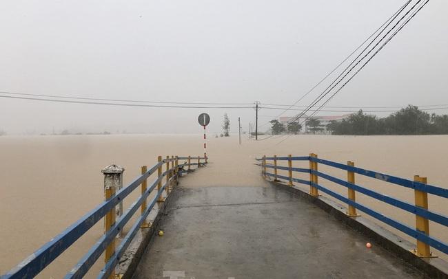 Nhiều nơi ở Khánh Hoà ngập lụt sau bão số 12
