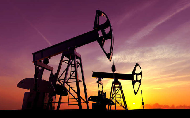 Giá dầu vọt lên cao nhất 2 tháng