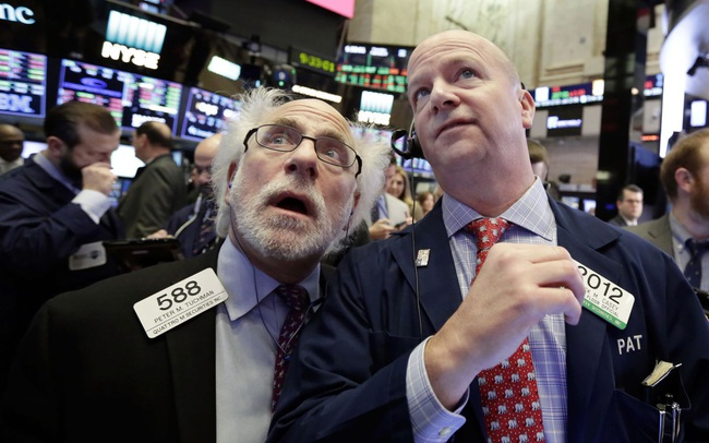 Nhà đầu tư quay trở lại với cổ phiếu công nghệ, Phố Wall diễn biến trái chiều, Dow Jones dứt đà tăng mạnh