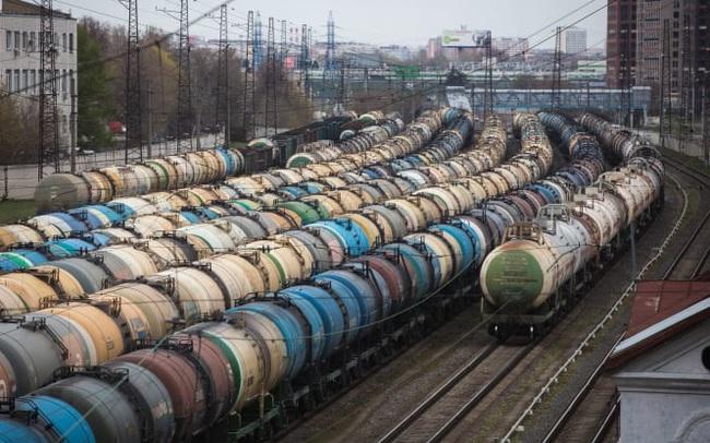 """Vắc xin Covid-19 """"không thể giải cứu thị trường dầu mỏ toàn cầu"""""""