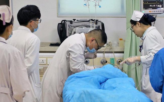Thích uống trà để sống khỏe như người Nhật, ai ngờ chàng trai Trung Quốc mắc ung thư thực quản: 3 thói quen sẽ rất rắc rối nếu không thay đổi