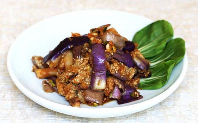 """BS dinh dưỡng: Người bị tiểu đường, mỡ máu cao nên chọn cà tím làm """"bảo bối"""" trên bàn ăn"""