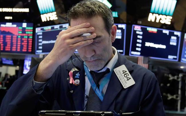 Số liệu kinh tế gây thất vọng, Phố Wall dứt đà tăng, Dow Jones rời đỉnh lịch sử
