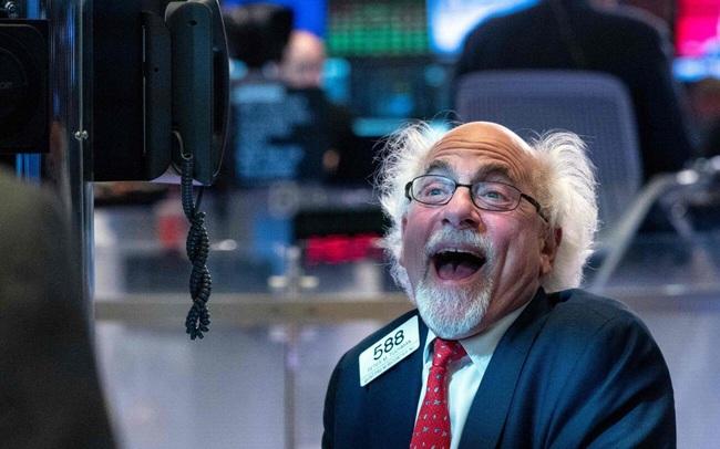 Dow Jones có thể cán mốc 40.000 điểm vào năm sau