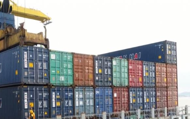 Xuất khẩu gặp khó vì thiếu container rỗng trong mùa cao điểm