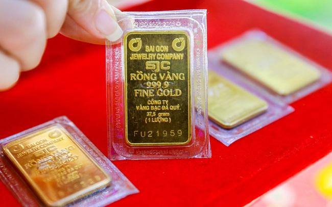Giá vàng trong nước đảo chiều bật tăng vượt mốc 55 triệu đồng/lượng