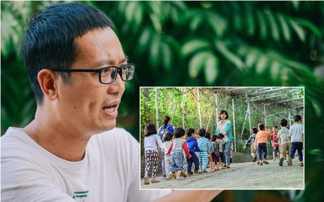 """Cách xử lý """"quân phiệt"""" khi học sinh đi toilet không bỏ giày đúng chỗ và triết lý giáo dục """"yêu thương cần tàn nhẫn"""" ở 1 ngôi trường tại Hà Nội"""