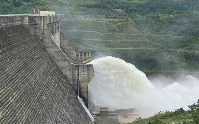 Chủ tịch Quảng Nam muốn thu hồi dự án thuỷ điện mới được phê duyệt 7 ngày
