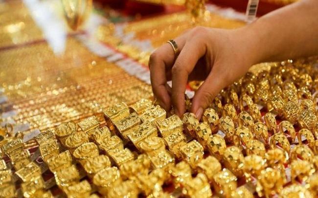 Giá vàng phục hồi nhưng khó tăng mạnh
