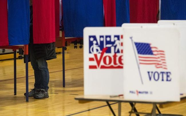 """Mọi sự chú ý đổ dồn về """"Vành đai rỉ sét"""", kiểm phiếu có thể mất vài ngày"""