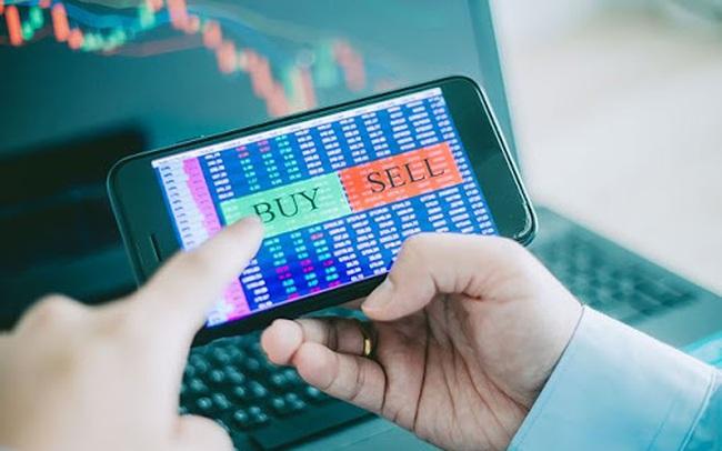 HoSE: Thanh khoản thị trường tháng 10 tăng mạnh lên 8.230 tỷ đồng/phiên, khối ngoại tiếp tục bán ròng