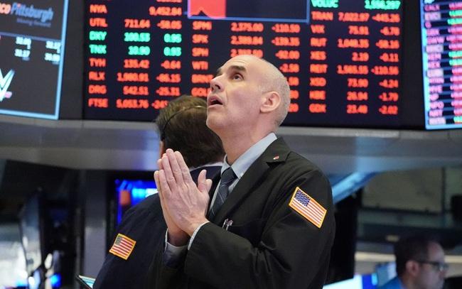 Cuộc tranh cử Tổng thống chưa có kết quả, nhà đầu tư vẫn hứng khởi giao dịch, Dow Jones có lúc tăng 800 điểm