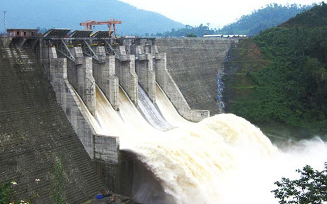 Bộ trưởng Tài nguyên và Môi trường: 'Lũ lụt, thiên tai không phải lỗi do thủy điện'