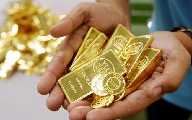 """Giá vàng tăng """"sốc"""" hơn 50 USD/ounce"""