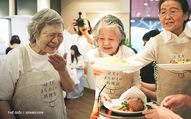 """Bất ngờ về """"Nhà hàng của các món ăn bị phục vụ sai"""" tại Nhật Bản: Khi ăn uống không còn quan trọng bằng việc lan tỏa thông điệp ý nghĩa này!"""