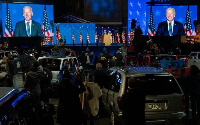 Người ủng hộ ông Biden ăn mừng, cơ hội ngày càng giảm với ông Trump