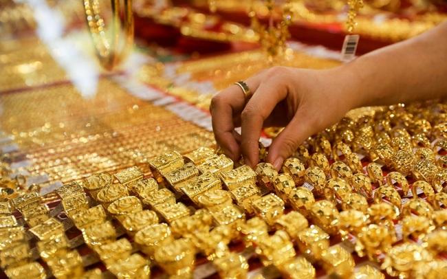 Giá vàng lại sắp vượt mốc 2.000 USD/ounce?
