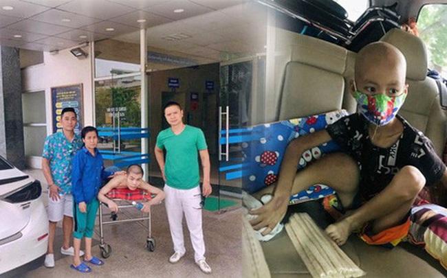 """Những chuyến xe đi đến """"hang cùng, ngõ hẻm"""" Hà Nội với cước phí là nụ cười của những bệnh nhân nghèo"""