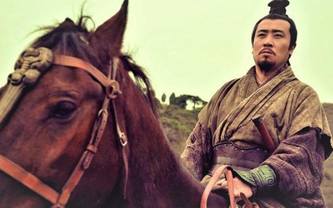 Sát thủ tìm đến tận nơi để đoạt mạng Lưu Bị, vì sao sau khi gặp lại không nỡ giết, thậm chí còn khuyên ông bảo trọng?