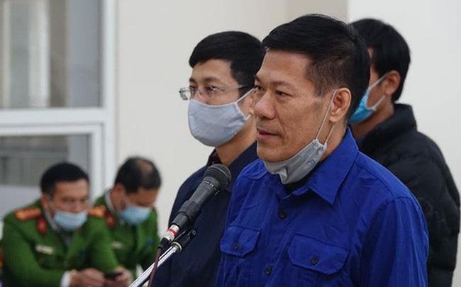 Xử vụ 'thổi giá' máy xét nghiệm Covid-19: Có lời khai chi 15% cho Giám đốc CDC Hà Nội Nguyễn Nhật Cảm