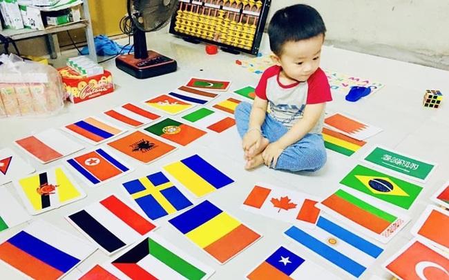 Cậu bé 3 tuổi nói tiếng Anh như gió, có trí nhớ kinh ngạc, bố tiết lộ bí quyết giúp con tự học phụ huynh nào cũng có thể làm theo