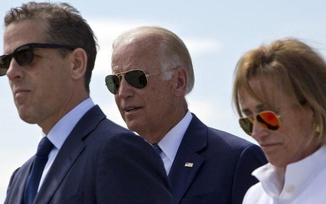 Thông tin gây bất lợi cho ông Biden liên quan đến con trai