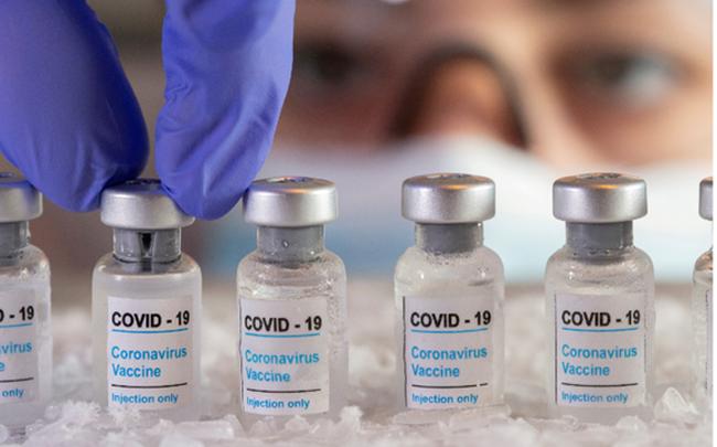 Pfizer và Moderna có thể kiếm được 32 tỷ USD từ bán vaccine COVID-19