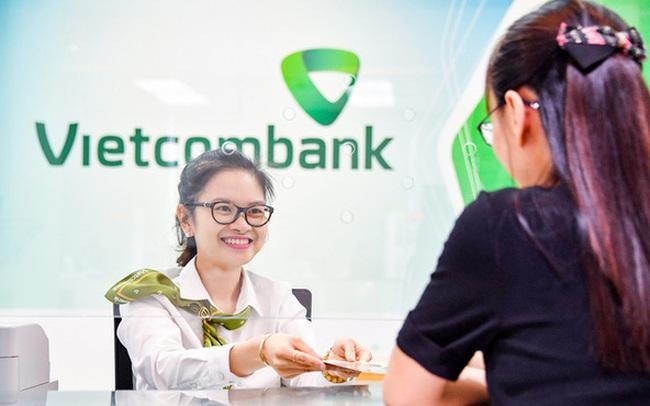 Vietcombank vượt qua Vingroup trở thành doanh nghiệp vốn hóa lớn nhất trên sàn chứng khoán