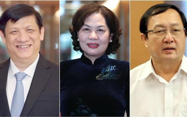Chính phủ chúc mừng 3 tân thành viên trong phiên họp thường kỳ tháng 11