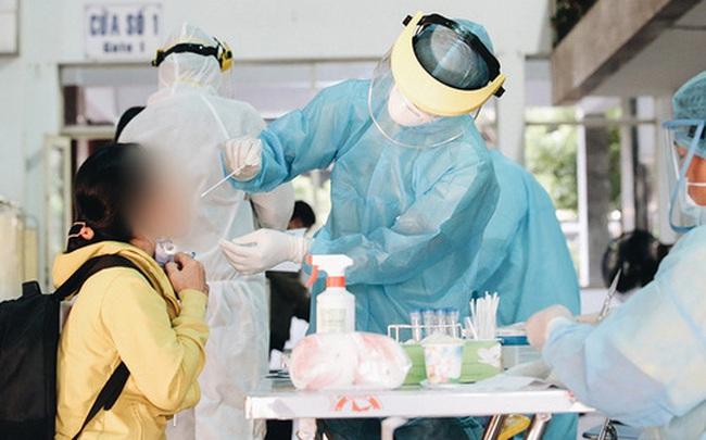 Lịch trình dày đặc của nữ học viên mắc Covid-19: Từng khám bệnh ở BV Chợ Rẫy, uống cà phê và đi ăn uống nhiều nơi ở Sài Gòn