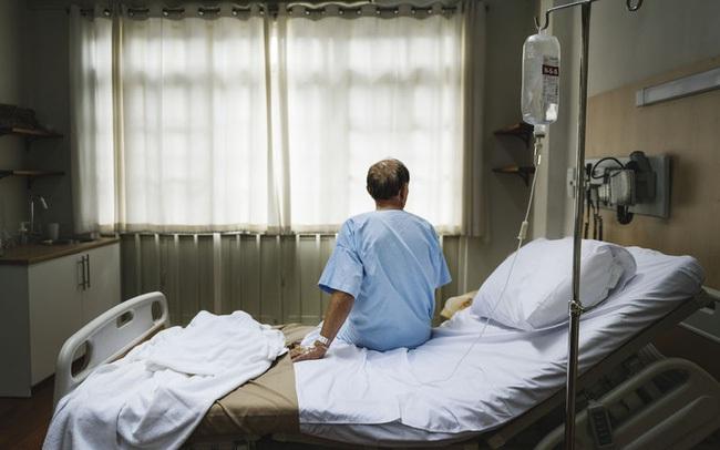 """Chủ quan với cơn đau vai không rõ nguyên nhân, người đàn ông bàng hoàng nghe tin sét đánh """"ung thư phổi giai đoạn cuối"""""""