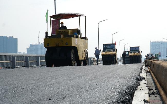 Cận cảnh 'đại công trường' sửa chữa mặt cầu Thăng Long trước ngày thông xe